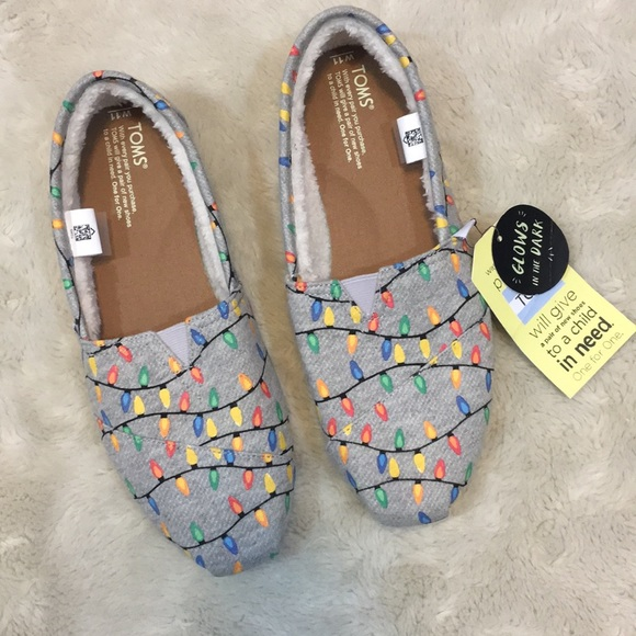 9197f04f677 TOMS Glow in the Dark Christmas Lights Slip-On